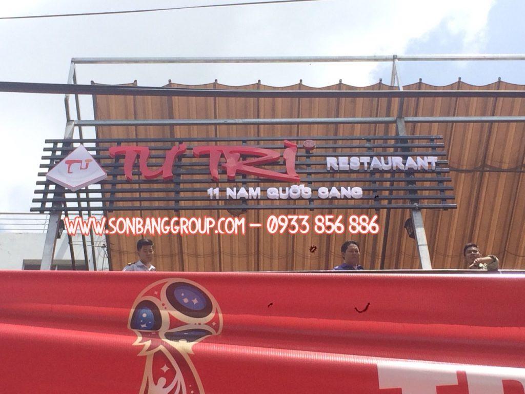 bảng hiệu nhà hàng tại TPHCM